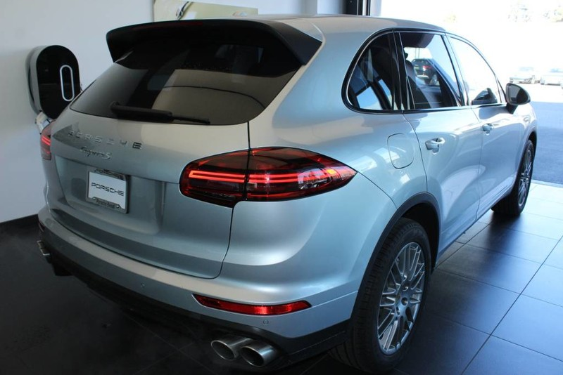 Pre-Owned 2018 Porsche Cayenne S